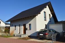 Haus Frontansicht (2)