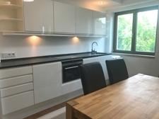 Küche&Esstisch