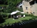 Garten mit Sonnenschirmen