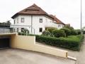 TG-Einfahrt und Zugang zum Haus