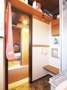 Blick aus dem Badezimmer in den Eingangsbereich