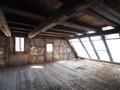 An den großen Wohn-/Essbereich wird noch ein Balkon angesetzt
