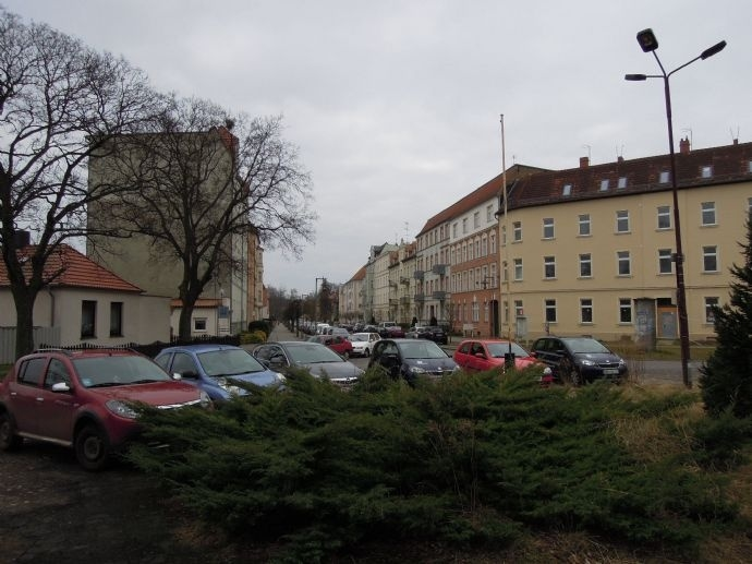 Bahnhofsvorplatz.jpg