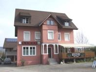 Mehfamilienhaus mit Restaurant
