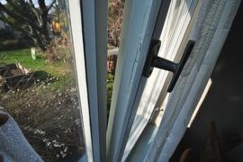 Sanierungswürdige Fenster