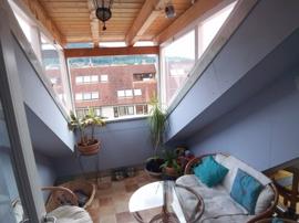 Kleine überdachte Dachterrasse.zum Relaxen