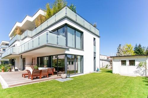Außenansicht Garten und Terrasse