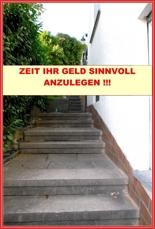 Treppenaufgang zum Hauseingang