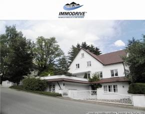 Traumhaft eingewachsene Villa am Südhang von Laichingen