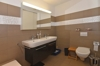 Nasszelle mit Lavabo, WC...