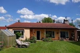 Wohnhaus mit 122 qm Wfl. zzgl. 80 qm Nfl.