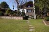 Blick von Sommerlaube zur Südfassade des Hauses