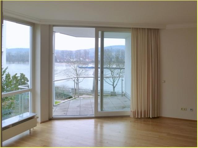 Wohnenzimmer mit Terrasse