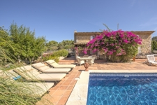 1 Lovely finca house in great condition with private pool and spacious garden in Calvia!