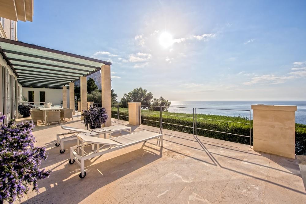 Grosse teils überdachte Terrasse mit Meerblick Villa Port Andratx