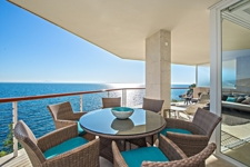 Sea view terrace for sale in Cala Vinyas Mallorca