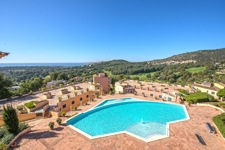 Bendinat Olinto community pool with sea views