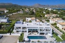 Luxus Villa in Puerto Pollensa Llenaire zu verkaufen