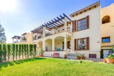Reihenhaus in Bendinat Mallorca mit eigenem Garten