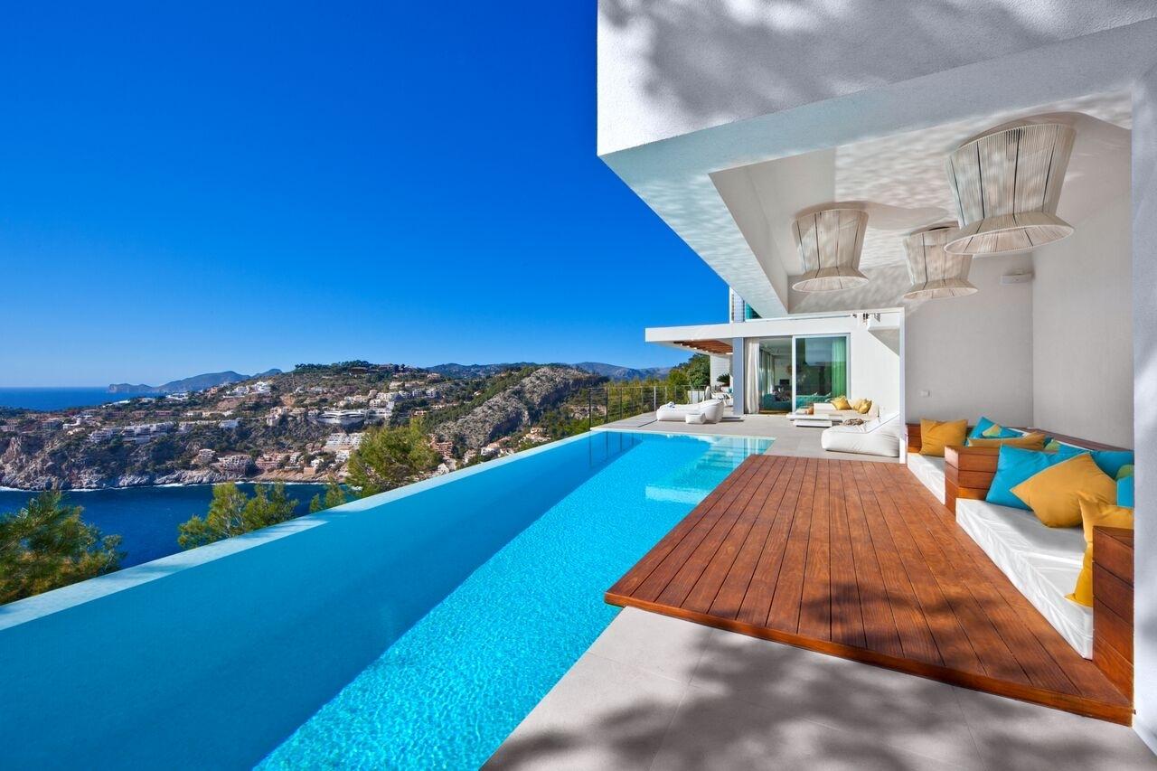 Poolbereich moderne Luxus Villa mit Meerblick Port Andratx