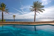 Villa in erster Meereslinie in Cala Vinyas