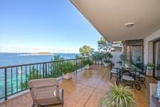 Grosse Terrasse in Apartment zum Verkauf Cala Vinyas