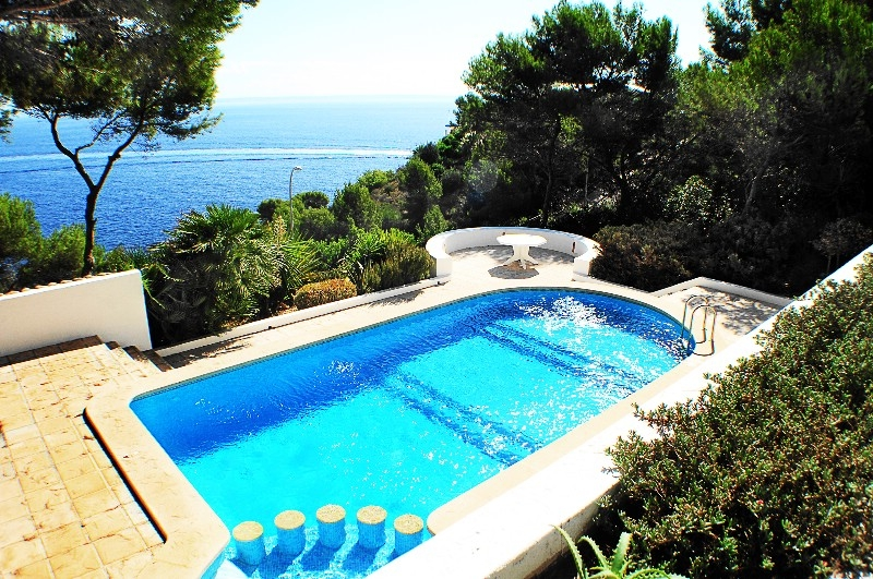 Wonderful Mediterranean villa with fabulous sea-views