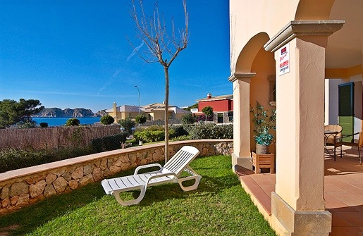 Beautiful apartment in first sea line situated in the community Mar del sur  Santa Ponsa