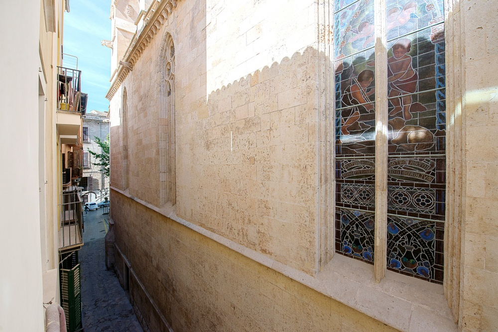 Apartment in a completely redevoped historical building in the old town of Palma
