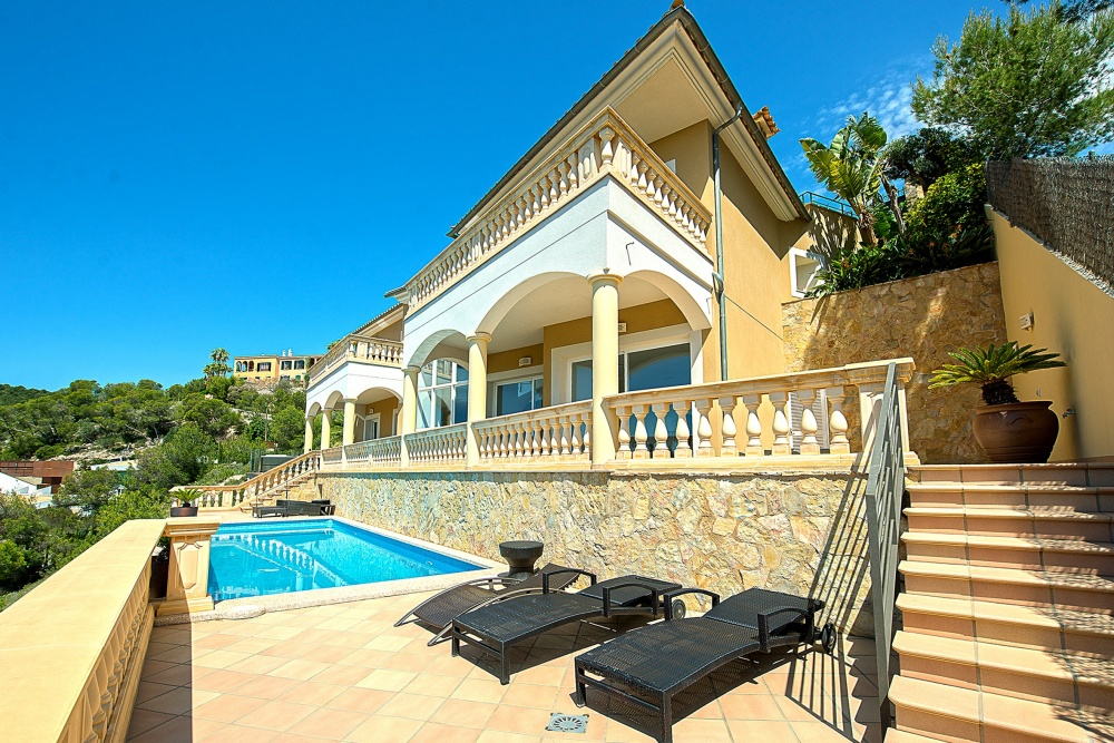 Elegant high quality villa with stunning sea views in Costa den Blanes