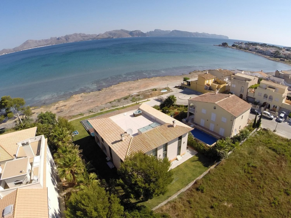 Mallorca property - LIVING ON THE BEACH - PRICE REDUCED by 600