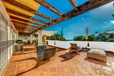 1 penthouse with sea view costa de la calma