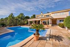 Meerblick Villa mit Pool in Palmanova