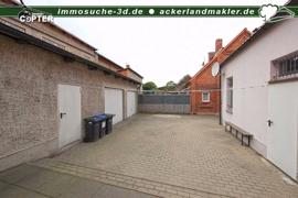 Innenhof Garagen