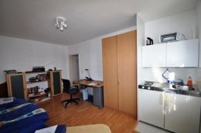 Zimmer1-1.OG-links