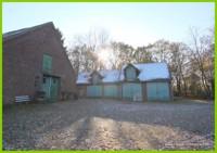 Haus mit Garagen