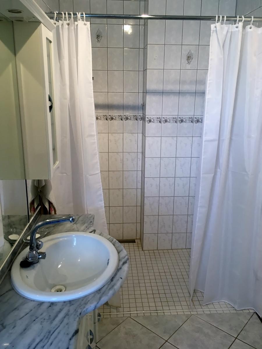 Dusche in Bad