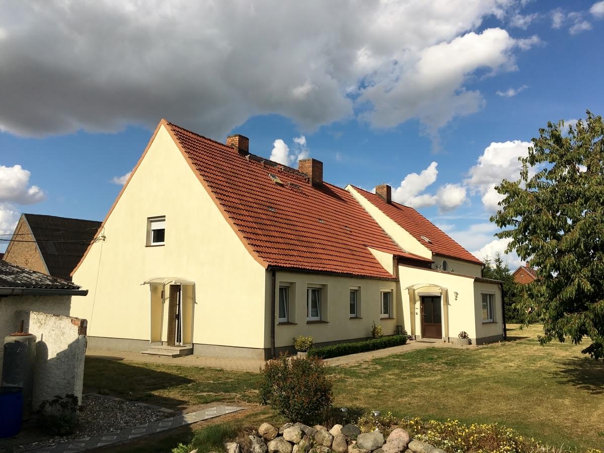 Wohnhaus Rückseite und Giebel
