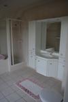 Bad 2 Dusche und Wanne
