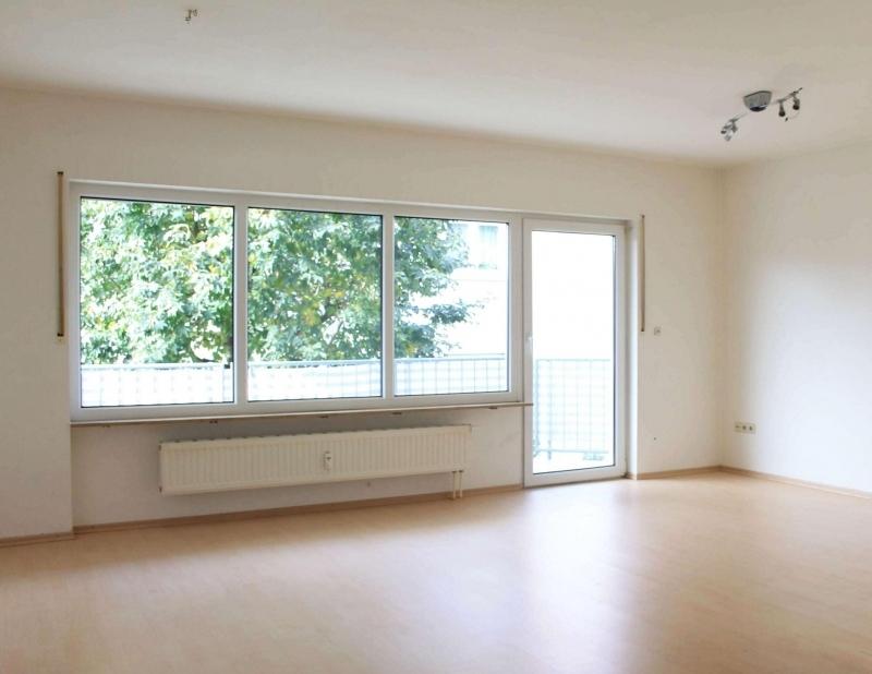 Wohn-Schlafbereich mit Balkon