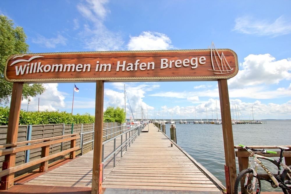 Hafen_Breege