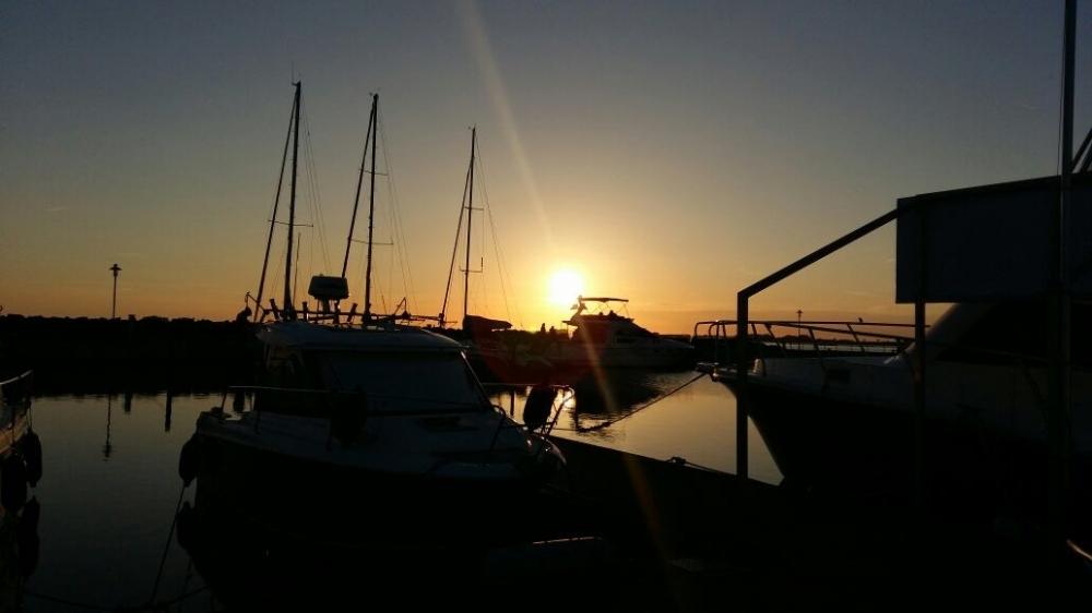 abendliche Hafenimpressionen