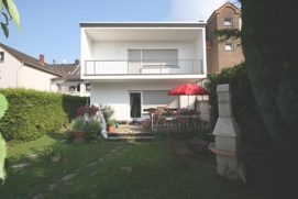 Bungalow-Terrasse-Garten