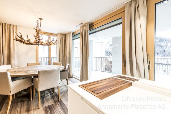 Bild 7/10: dining room Pontresina