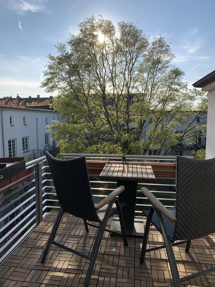 Balkon mit Ausblick in den Innenhof