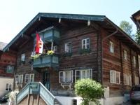 Pongauer Holzhaus im Ort