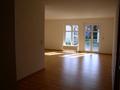 Blick zum Wohnzimmer mit Essecke