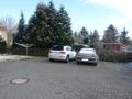 PKW-Stellplätze auf dem Grundstück