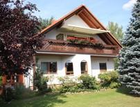 Sehr gepflegtes und gro�z�giges Ein- bis Zweifamilienhaus mit bester Ausstattung auf Traumgrundst�ck
