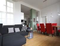 Beeindruckend sch�ne Drei-Zimmer-Altbauwohnung mit Balkon und hochwertiger Ausstattung!